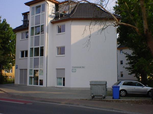 Wohn- und Geschäftshäuser mit 6 GE und 9 WE