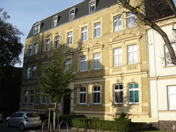 Altbau-Mehrfamilienhaus mit 8 WE